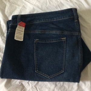 Old Navy Women's Flare Dark Rinse NWT Jeans